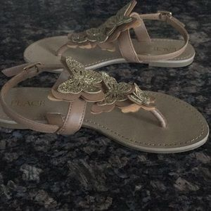 CHILDREN'S PLACE KIDS BUTTERFLY THONG SANDAL